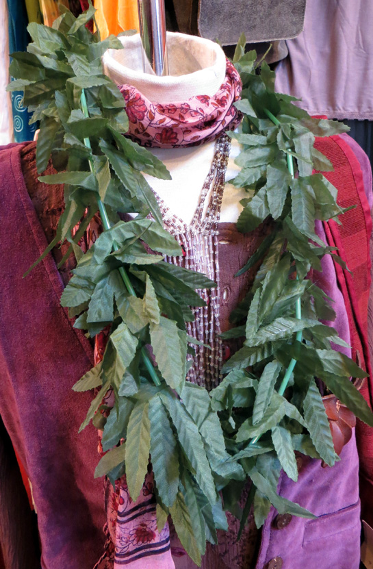 2015_Aug 15_Aloha Necklaces