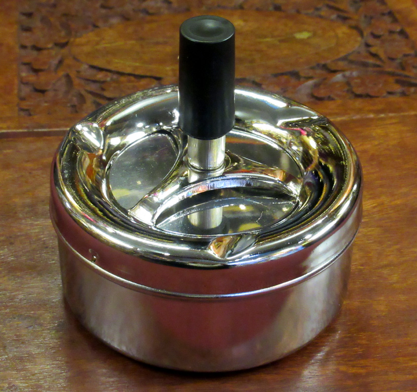 Spinning Ashtrays (£3.25)