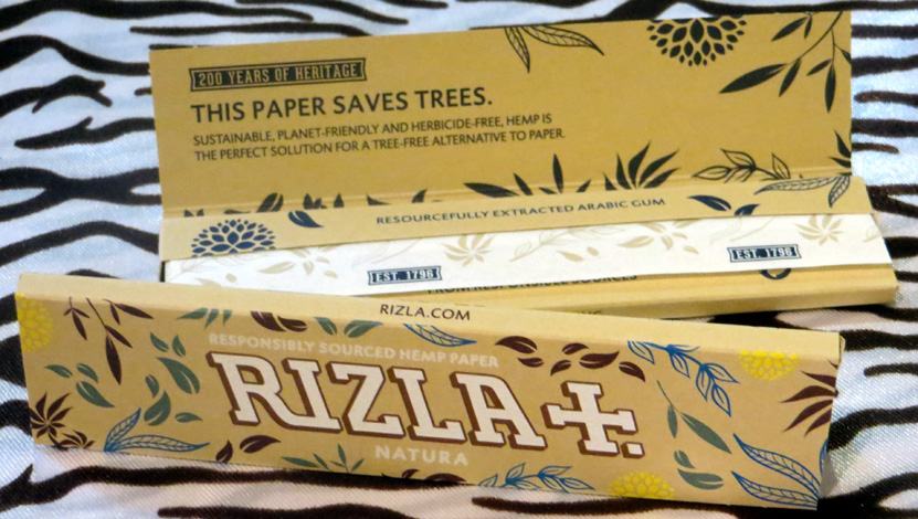 Rizla Natura King Size Slim (70p) – 32 ultra thin leaves of responsibly sourced unbleached hemp paper; established 1796.