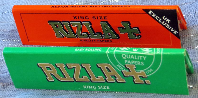 Green & Red Rizla King Size Papers (65p) – 32 leaves; made in the EU; established 1796.