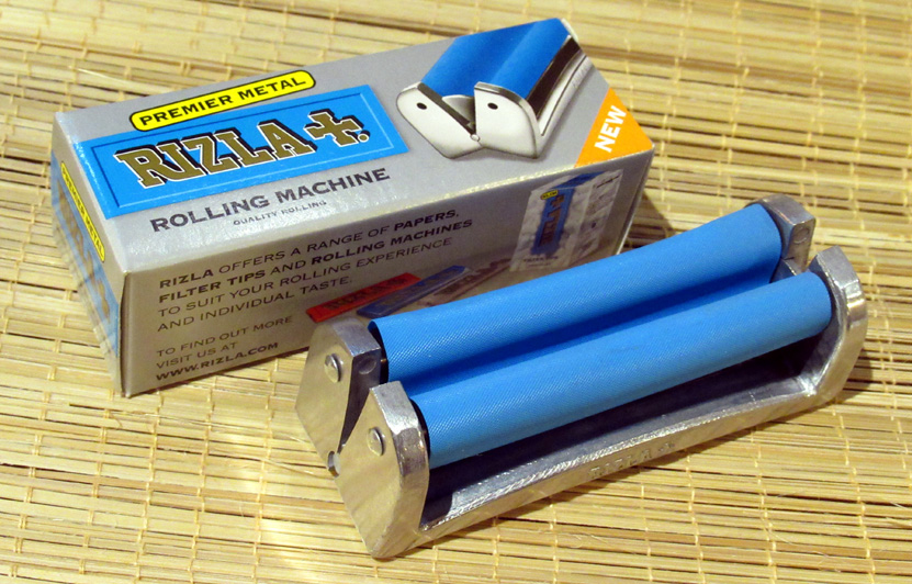 Premier Metal Regular Rolling Machine by Rizla (£2.75) - For papers up to 7 cm long.