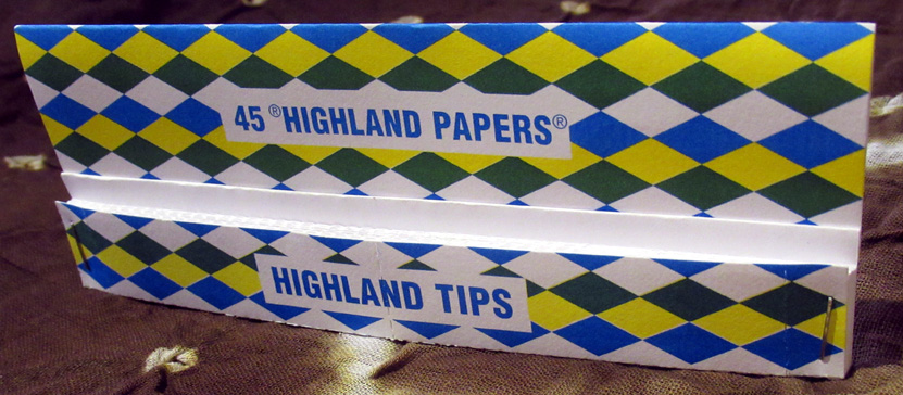 "Highland Double Decadence Papers & Tips (£1.15) - 50 light/medium-weight papers (125 x 37 mm) and 50 tips from Pot & Pan UnLtd in the Highlands of Scotland. ""As the name suggests these papers are all about excessive self indulgence and are the choice of the connoisseur. Our rice paper and natural acacia gum combination is chemical free, natural and sustainable. Premium quality papers which include tear off roaches with different smokey proverbs on each one like ""Fed Up…Skin Up"" and ""Don't get angry, Get Stoned..Then get even"". Great for when you've got that good giggly bit."""